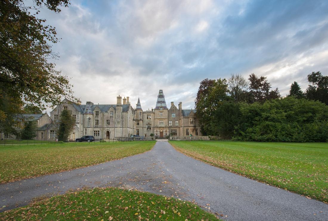 Orchardleigh House, wedding venue, Frome. Beata Cosgrove Photography